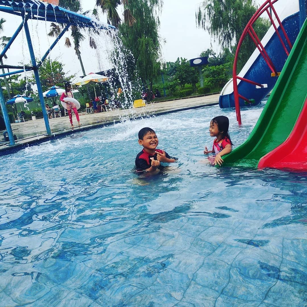 water-splash-darmawangsa-bekasi
