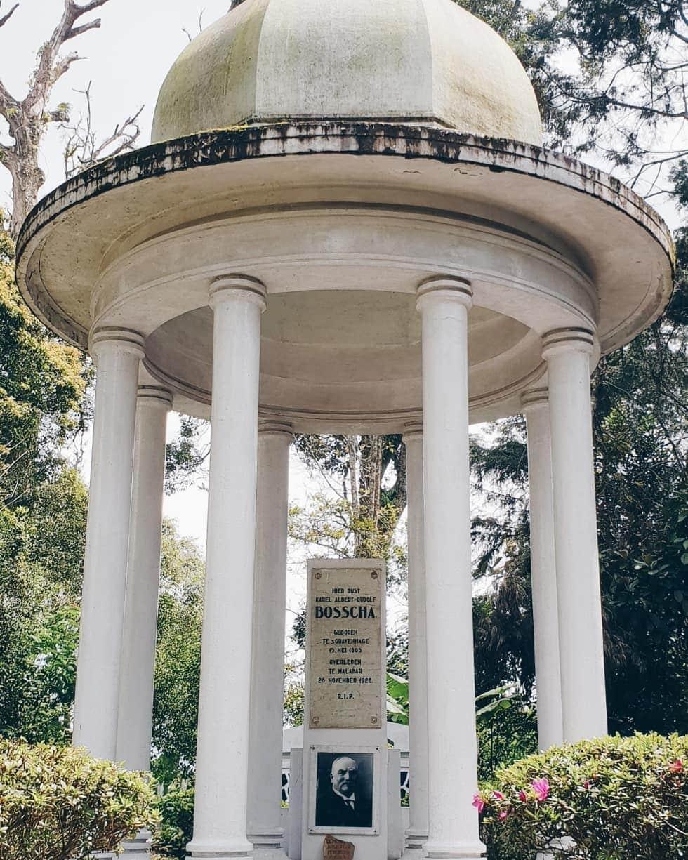 monumen observatorium bosscha