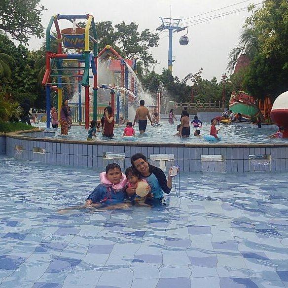atlantis-water-park-kolam-arus