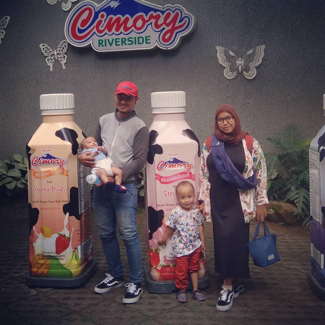 Menyantap Makanan Di Pinggir Sungai Ala Cimory Riverside 2