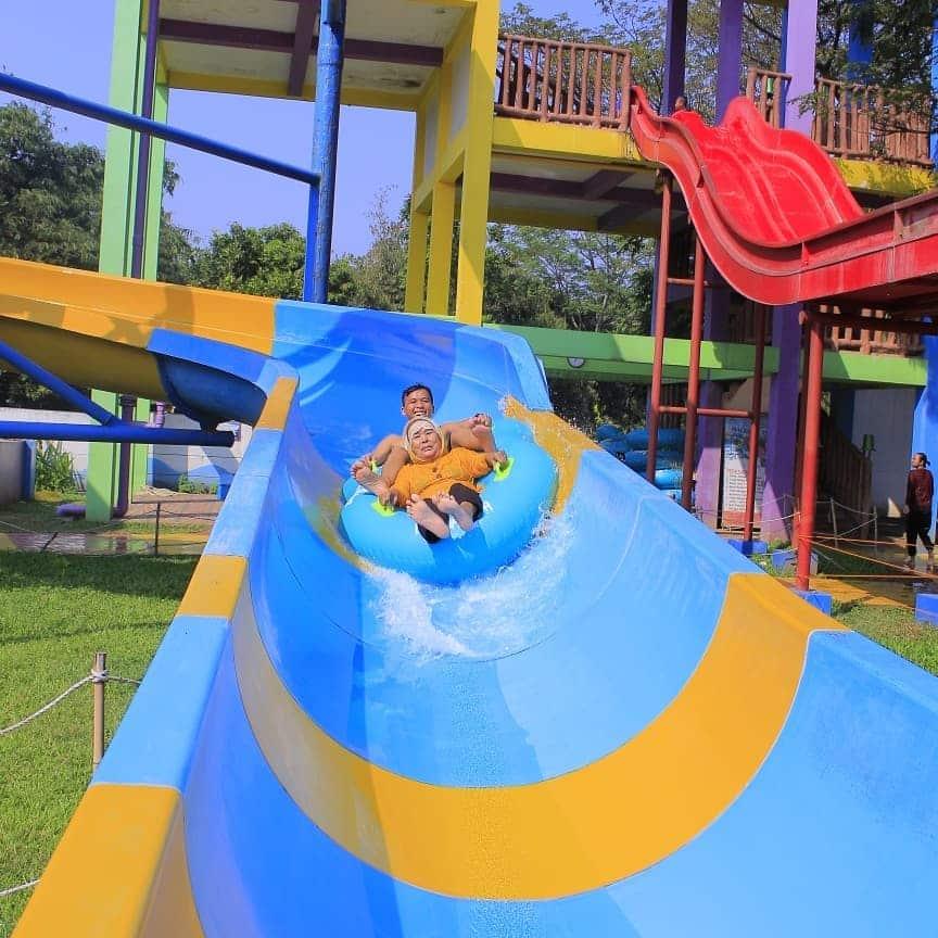 Seluncur Citra Indah Waterpark