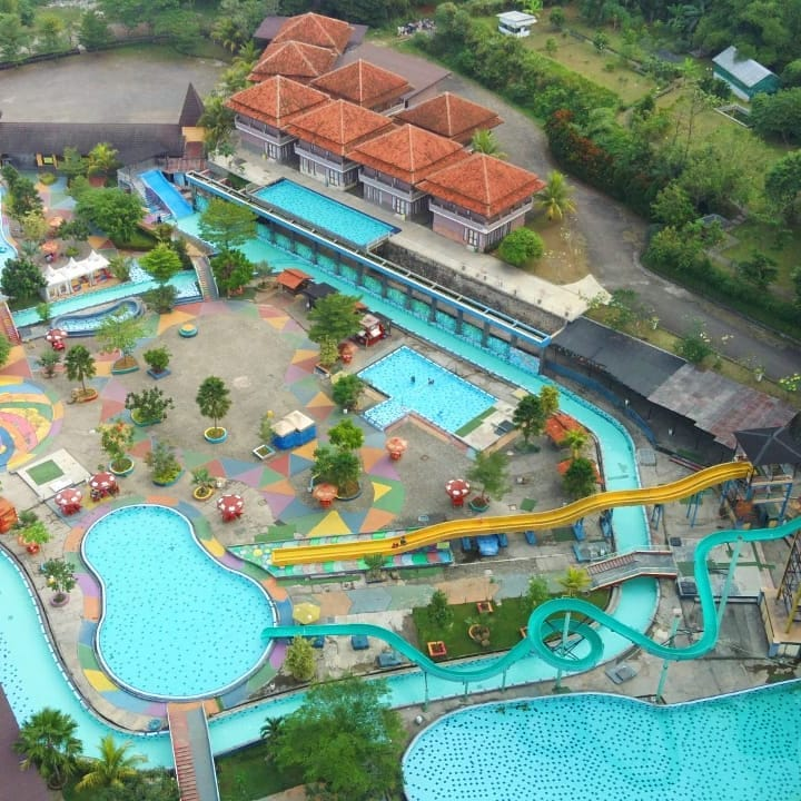 View Gumati Waterpark dengan drone