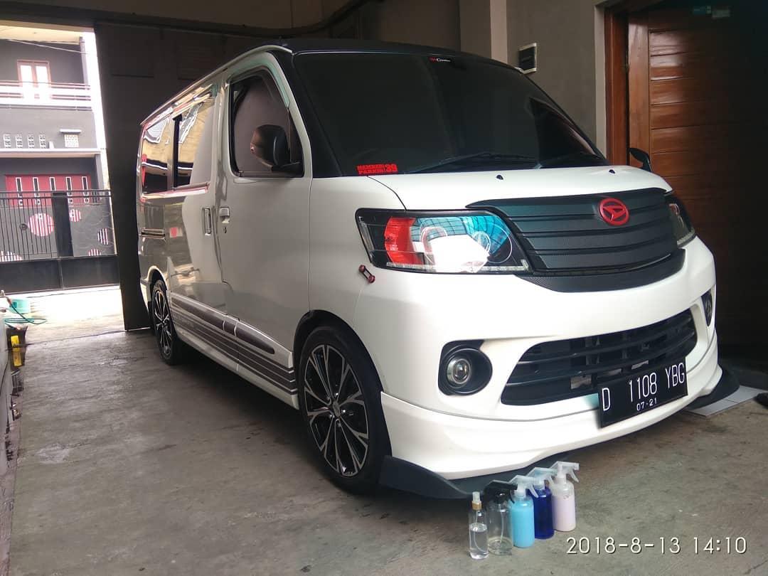 Daihatsu Luxio Travel Jakarta Cirebon