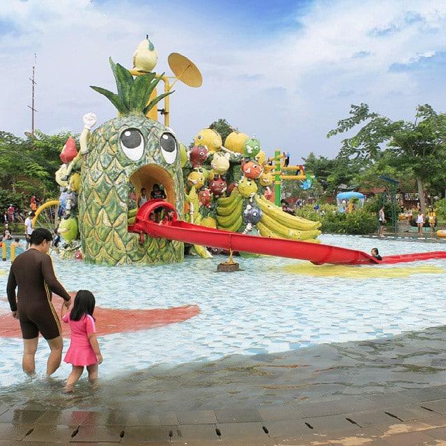 Fruity Splash Pool