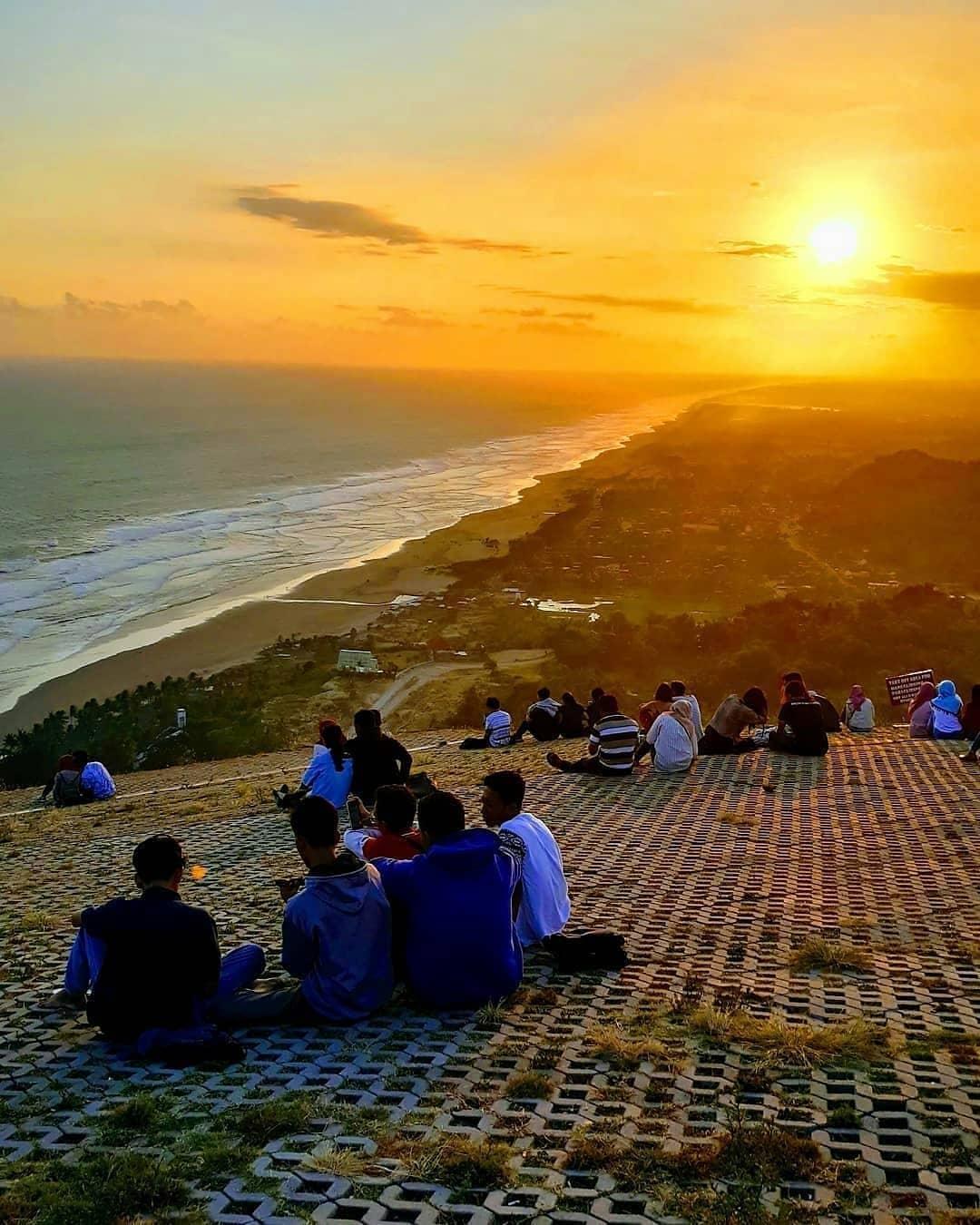 Sunset Bukit Paralayang Watugupit