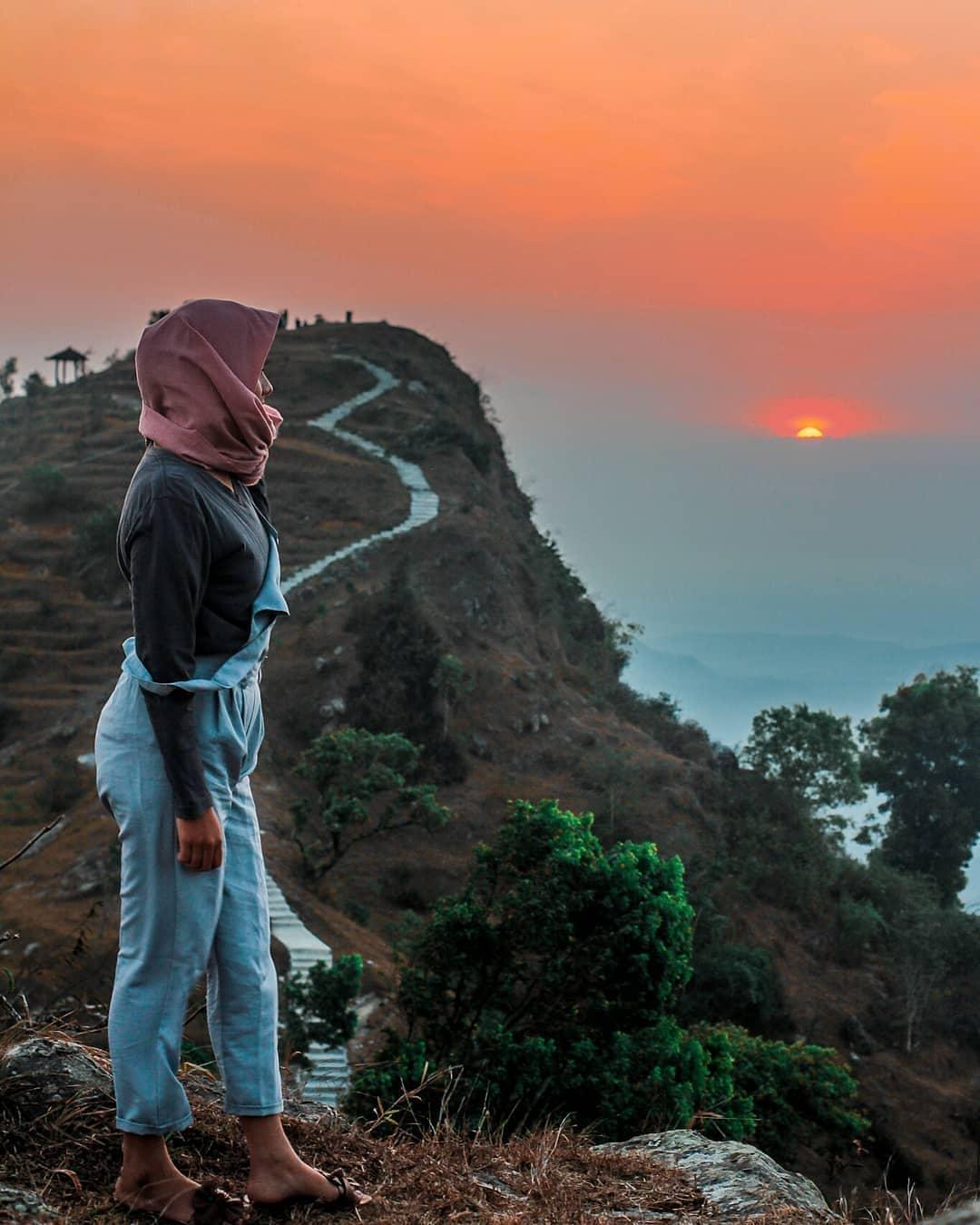 Sunset diEmbung Batara Sriten