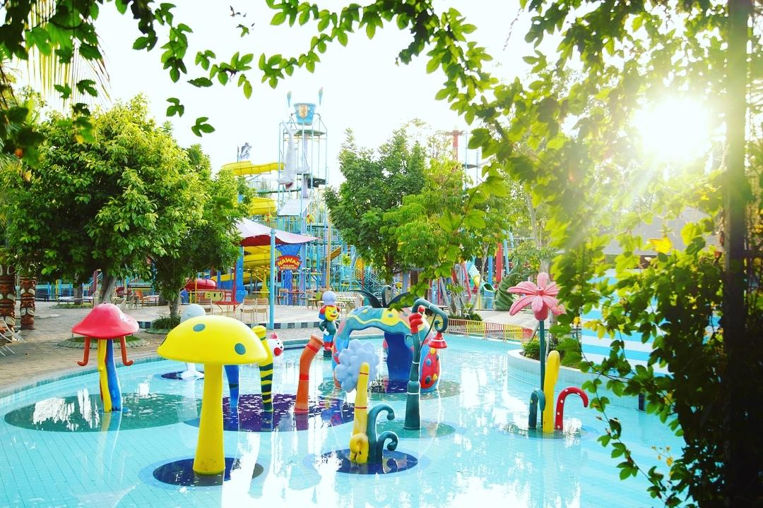 Taman Bermain Air Hawai Waterpark