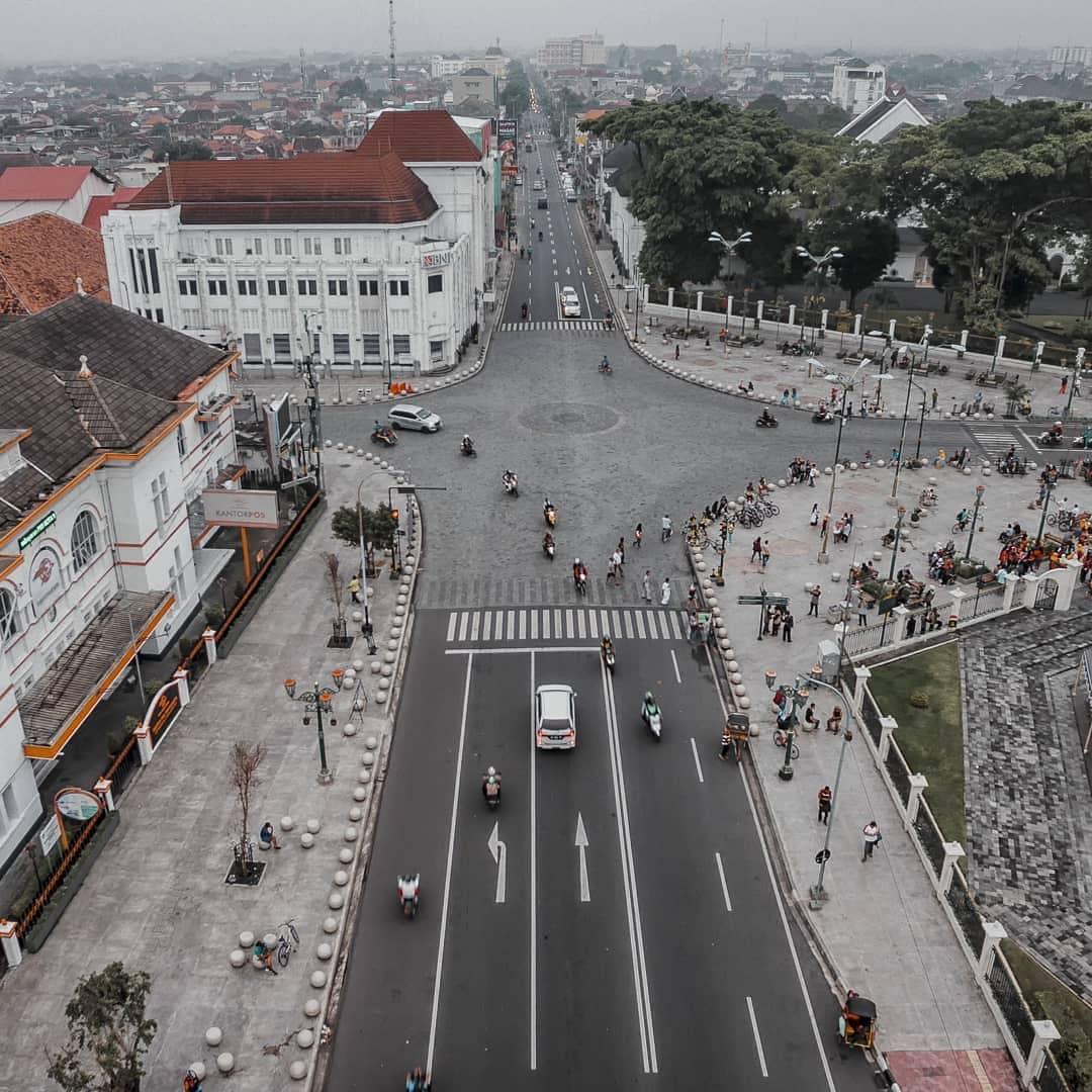 Titik (0) Nol Km Siang Hari