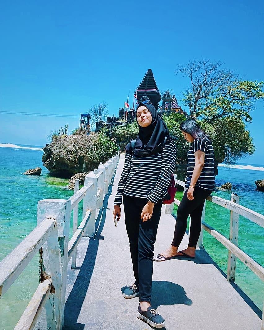 Pura Pulau Ismoyo