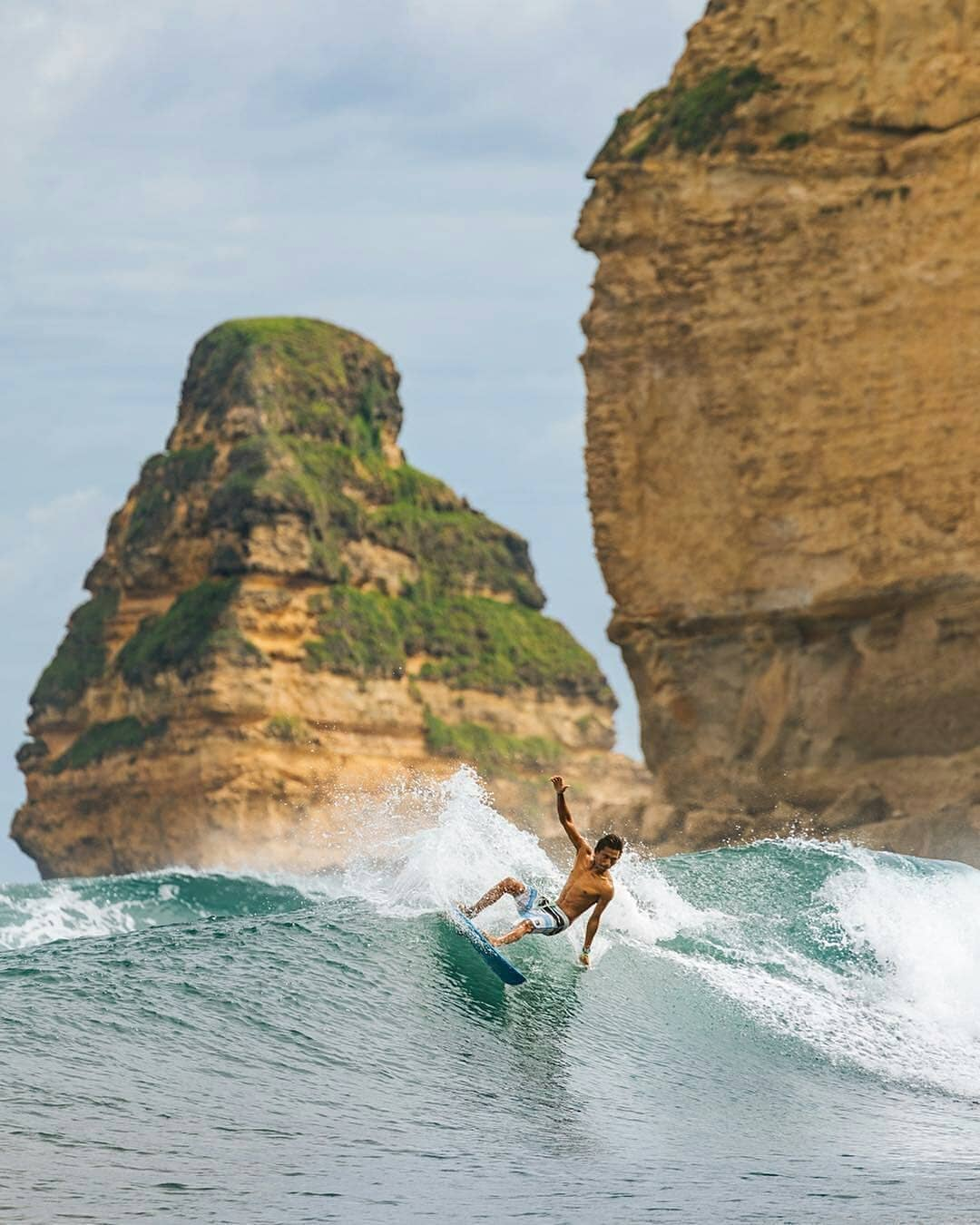 Surfing Pantai Gerupuk
