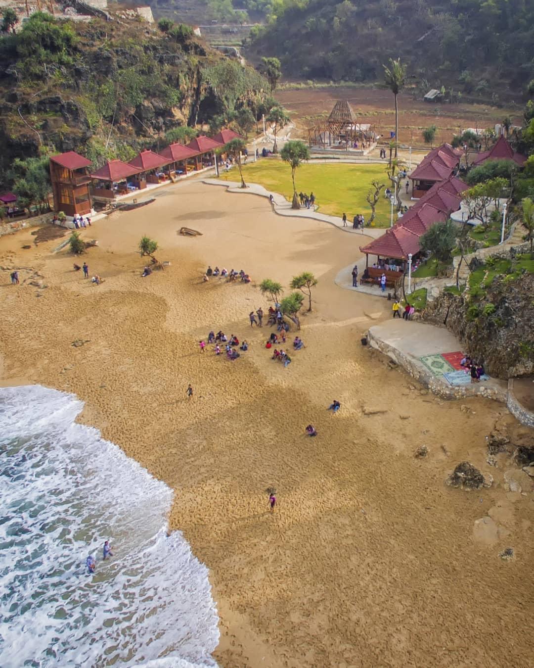 Pantai Ngrawe view