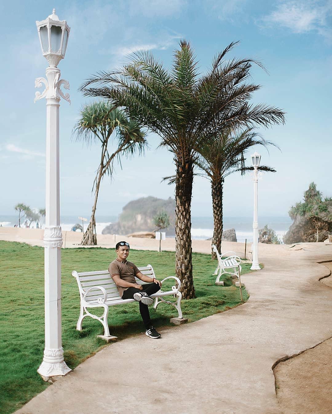 Spot Taman Pantai Ngrawe