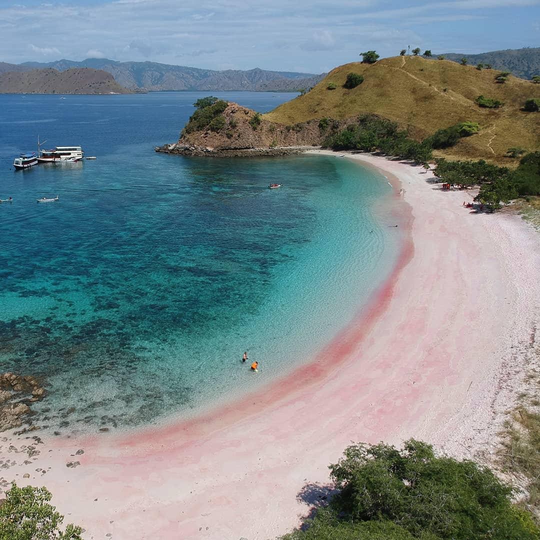 Pantai Pink Overview
