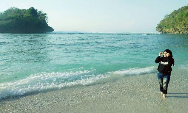 Pantai Teluk Asmoro, Semburat Raja Ampat di Kota Malang 4