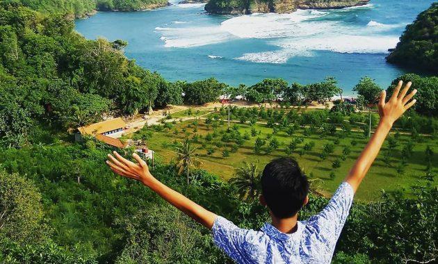 Pantai Teluk Asmoro, Semburat Raja Ampat di Kota Malang 6