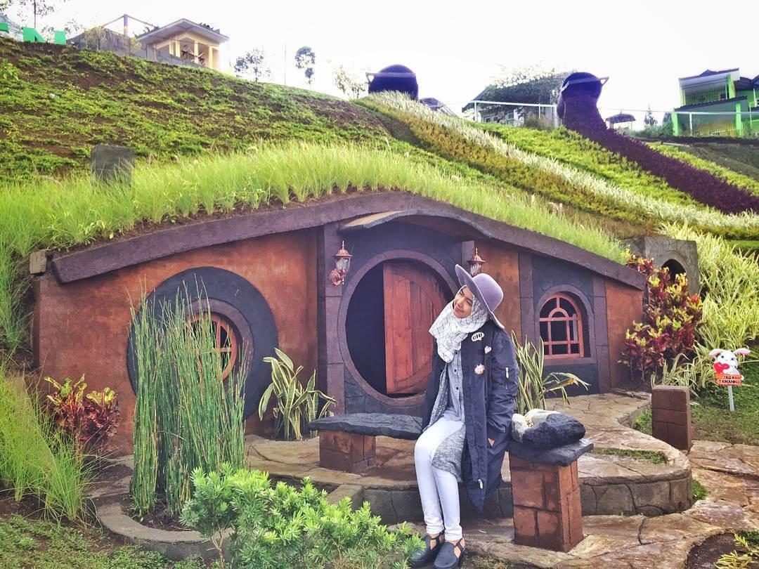 Spot Rumah Hobbit Taman Kelinci