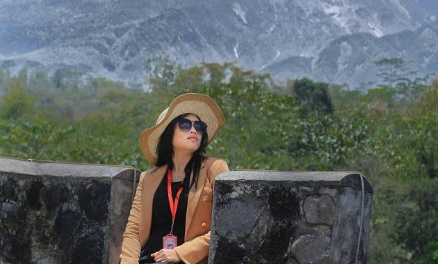 Merapi The Lost World Castle