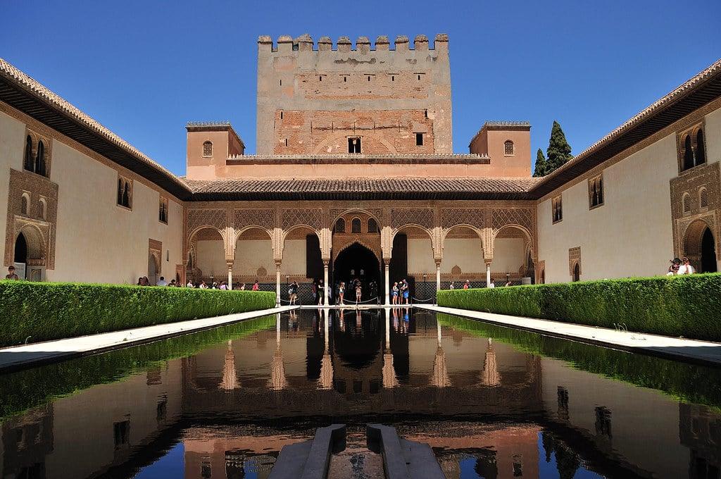 Alhambra Granada: Tempat Wisata Spanyol