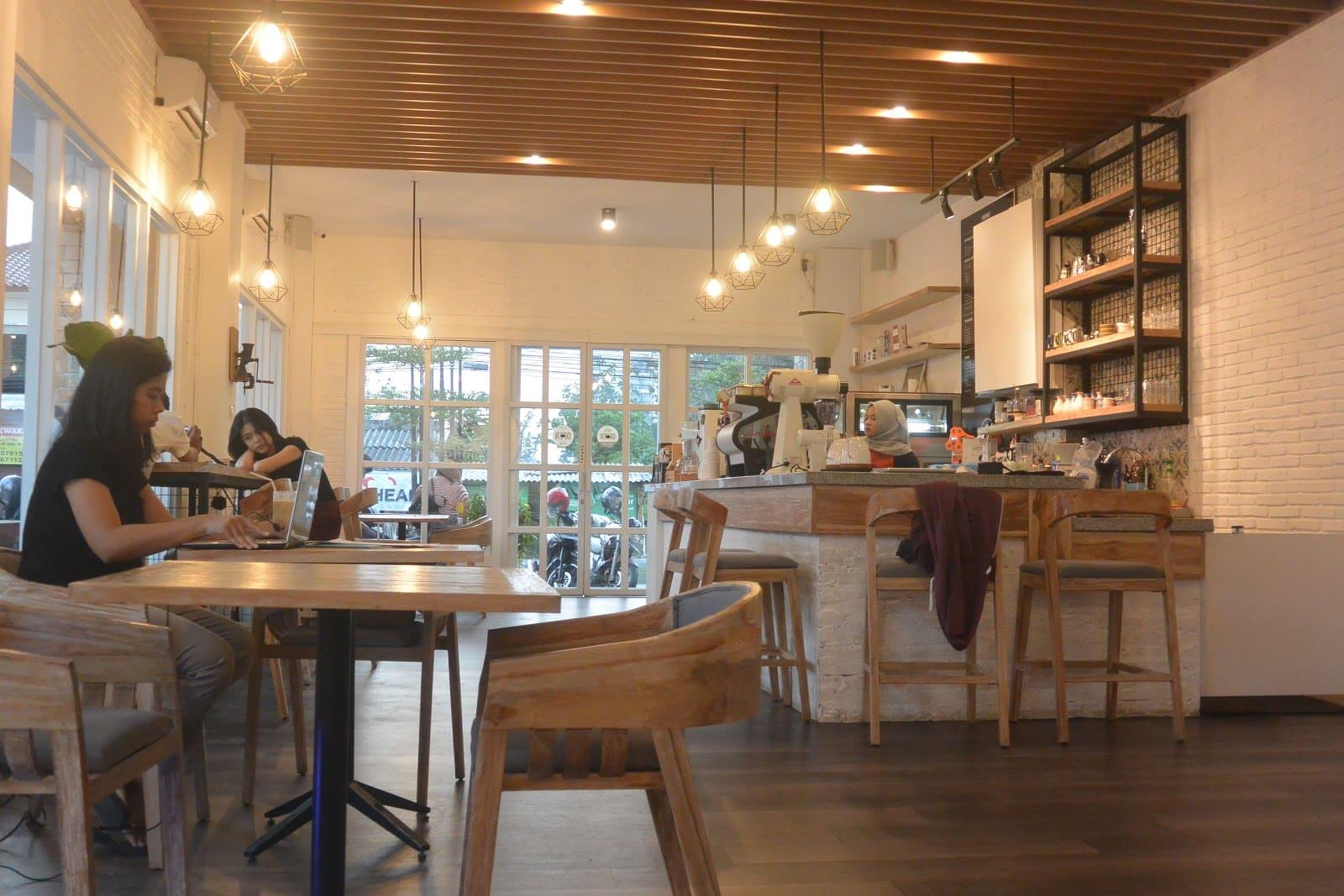 15 Cafe Populer di Jogja Buka 24 Jam Selalu Ramai Buat Nongkrong Sampai Pagi 16