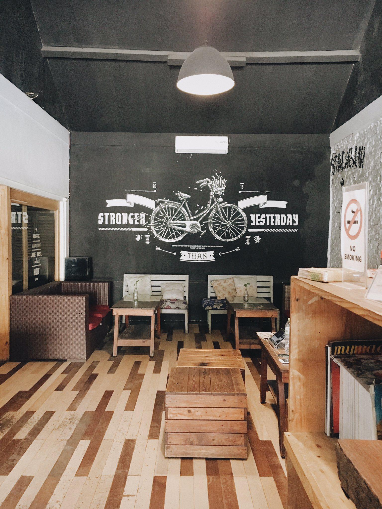 Bagian Dalam Lagani Coffee & Co