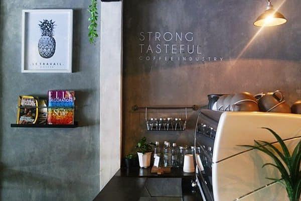 Bagian Dalam Letravail Coffee