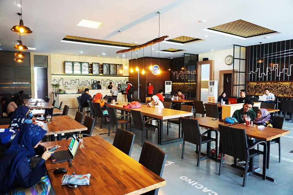 15 Cafe Populer di Jogja Buka 24 Jam Selalu Ramai Buat Nongkrong Sampai Pagi 22