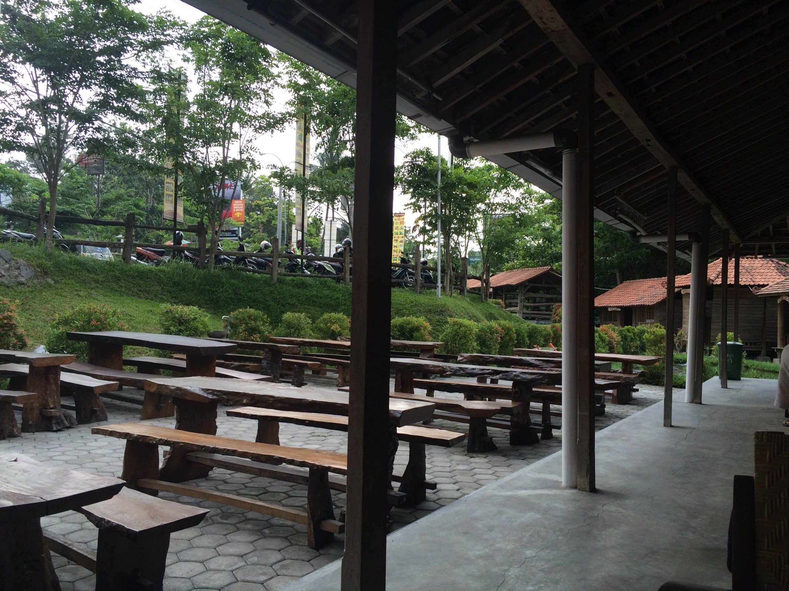Bagian Luar Wedangan Kampoeng
