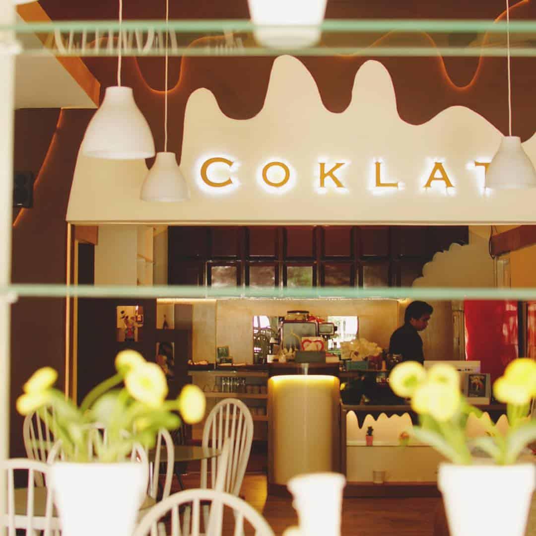 Bar Side Coklat Cafe