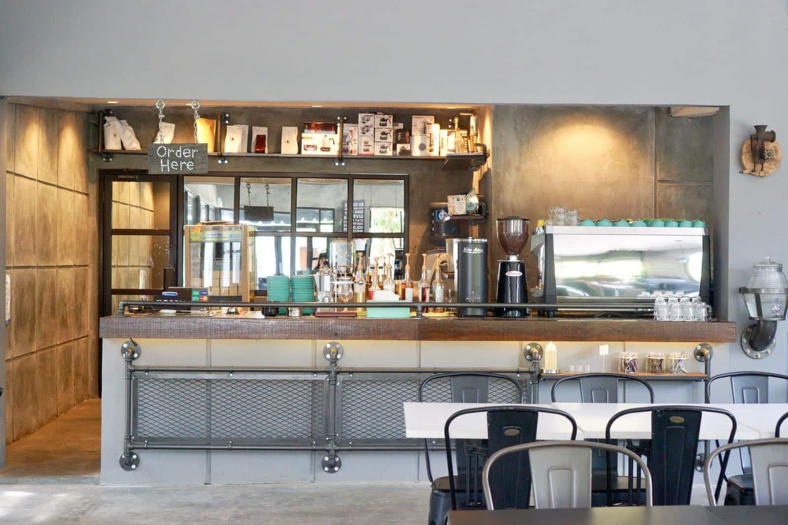 Bar Side Lantai Bumi Coffee & Space