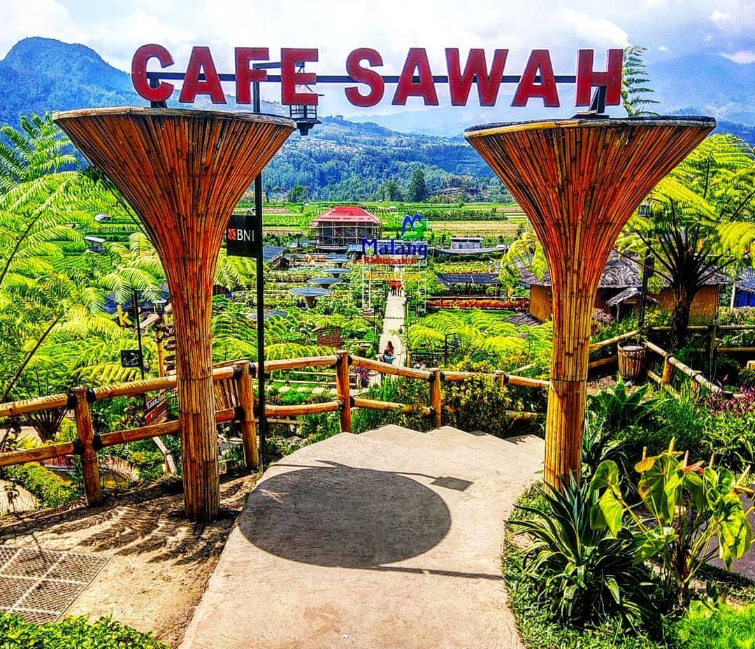 Pintu Masuk Cafe Sawah