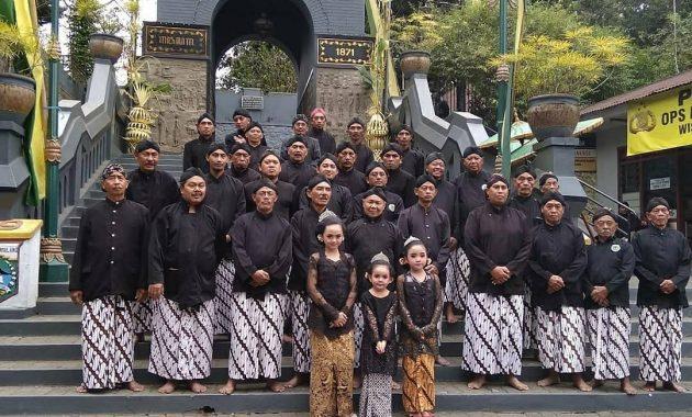 Misteri Gunung Kawi Malang Wisata Alam Berbalut Budaya 3
