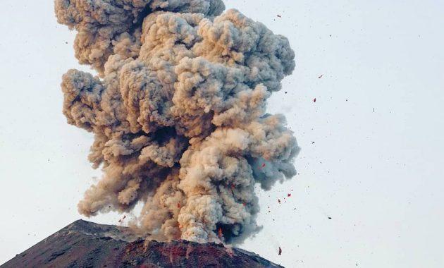 Melihat Gunung Krakatau Gunung Maha Dahsyat Di Selat Sunda 4