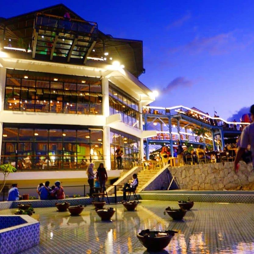 Resto HeHa Sky View: Spot Tempat untuk Tahun Baruan di Jogja