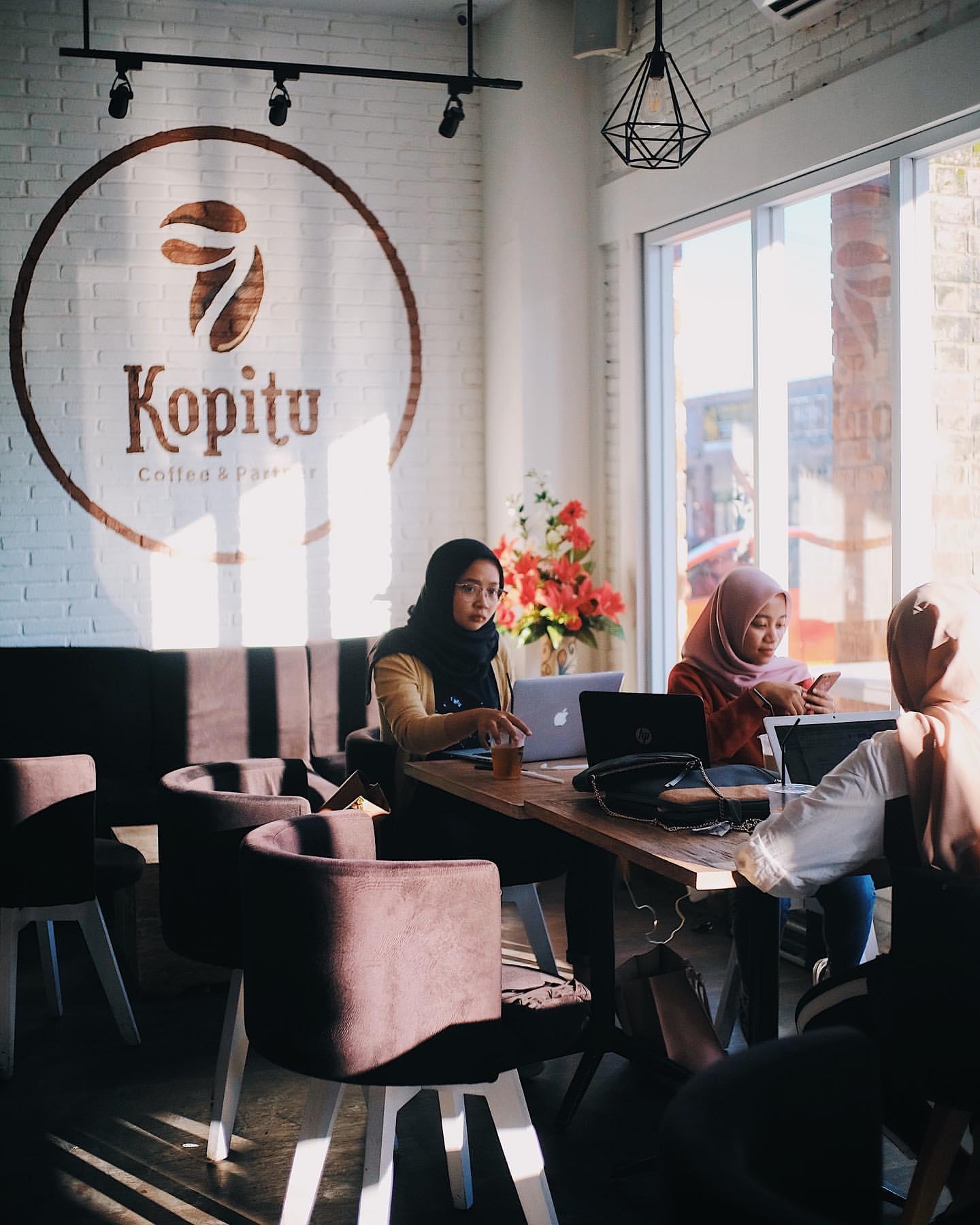 15 Cafe Populer di Jogja Buka 24 Jam Selalu Ramai Buat Nongkrong Sampai Pagi 15