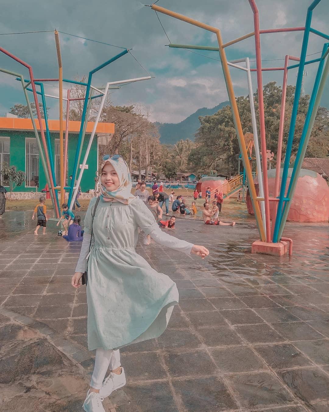 Berenang Di Tengah Alam Seru Muncul Waterpark Semarang 1