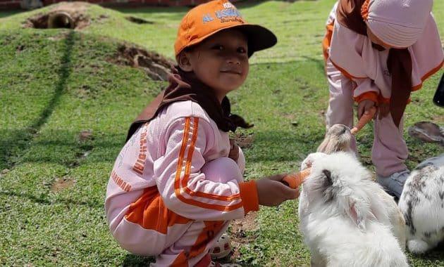 Liburan Keluarga Seru Di Pacet Mini Park Mojokerto 6