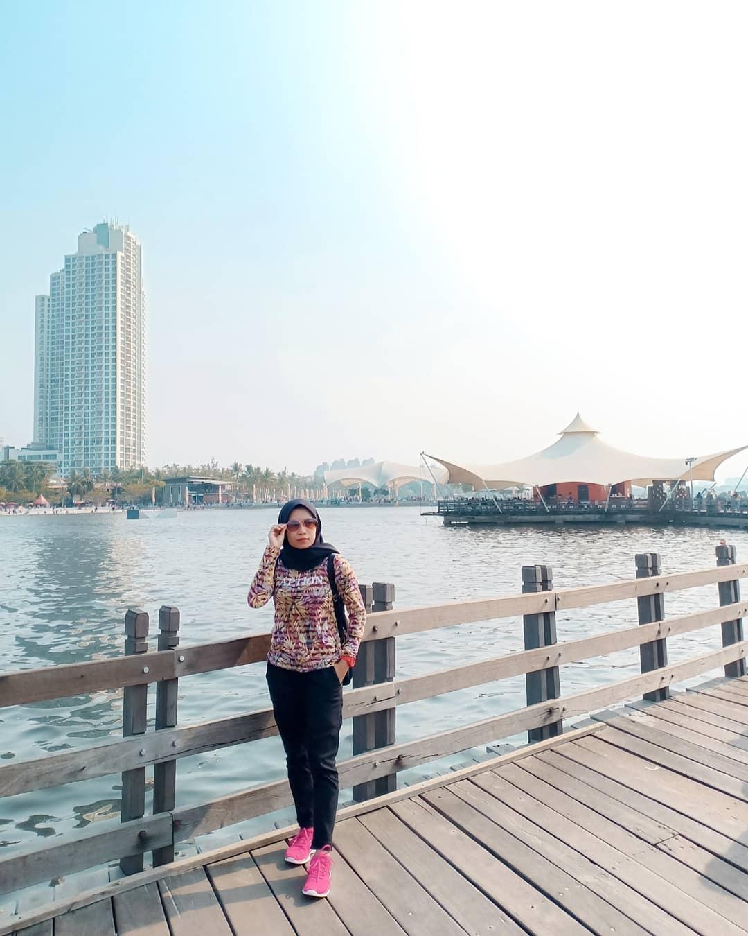 Menikmati Indahnya Pantai Ancol Jakarta Bersama Keluarga 1