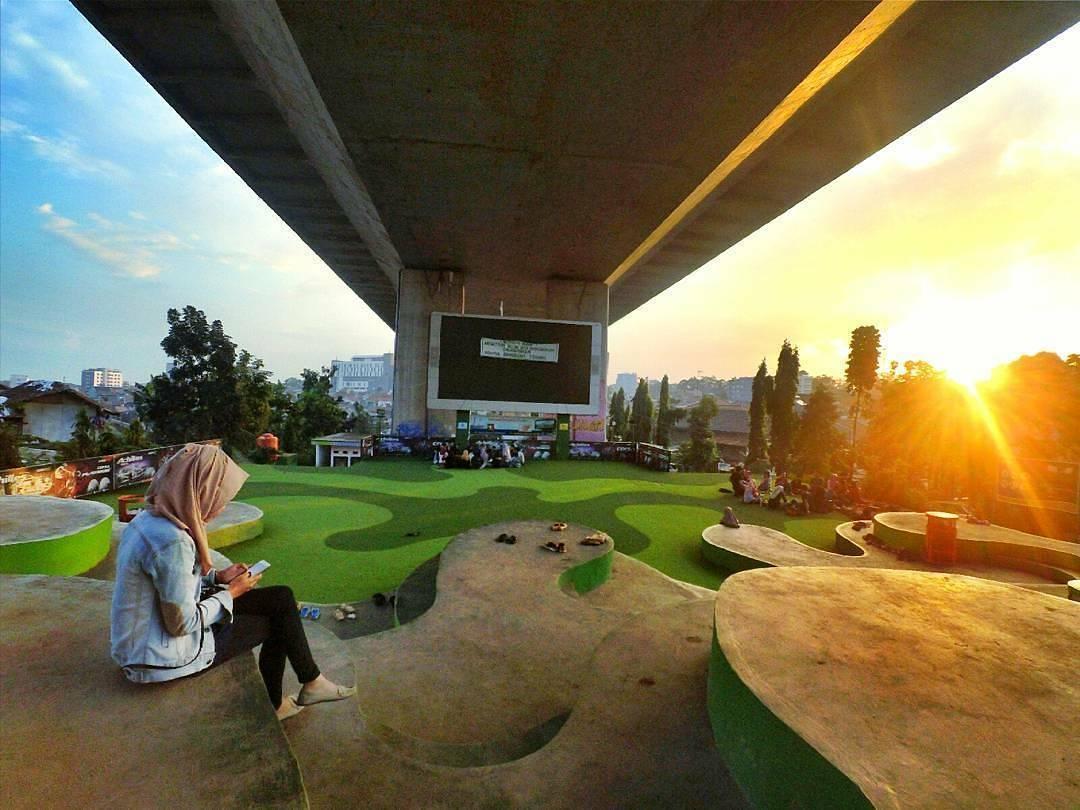 15 Tempat Nongkrong di Bandung Anak Muda Kekinian Hits 16