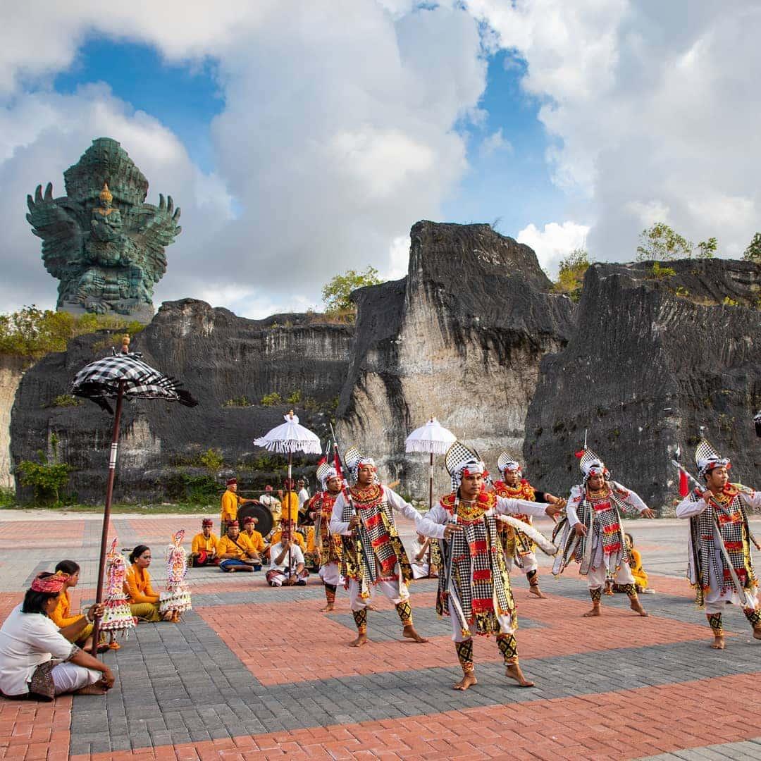 Pertunjukan Seni Tari Bali