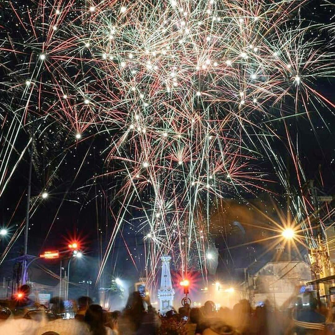 Tugu Jogja di Mamal Tahun Baru
