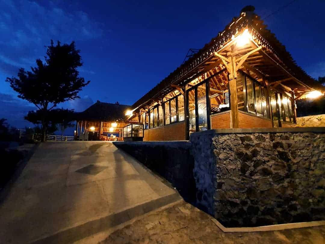Cafe Joglo Watu Langit