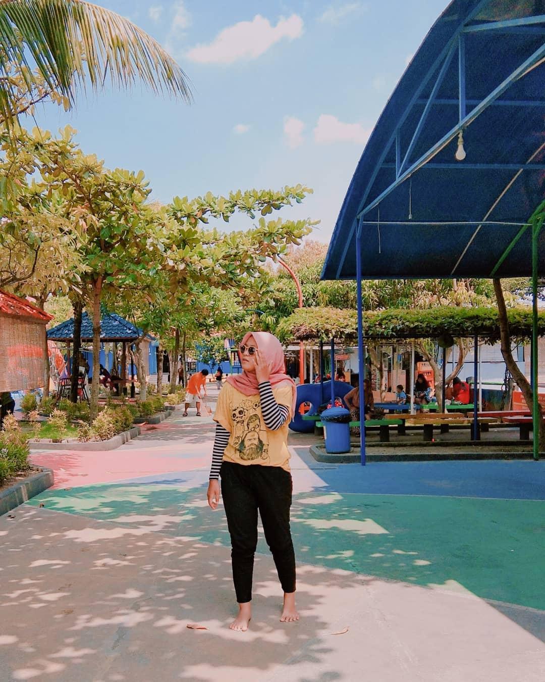 Taman Rekreasi Air Bersama Keluarga Galaxy Waterpark Jogja 1