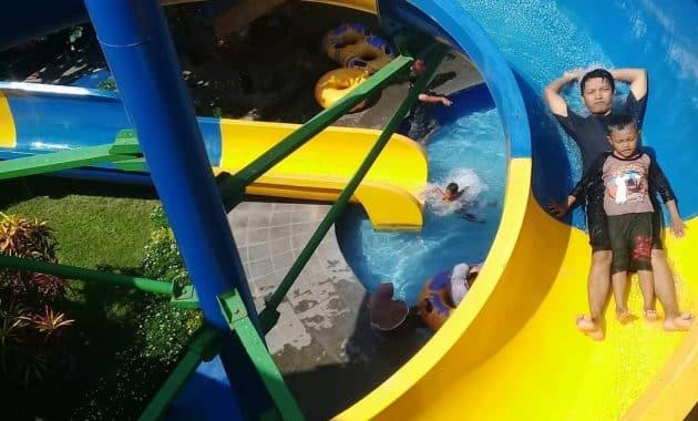 Taman Rekreasi Air Bersama Keluarga Galaxy Waterpark Jogja 6