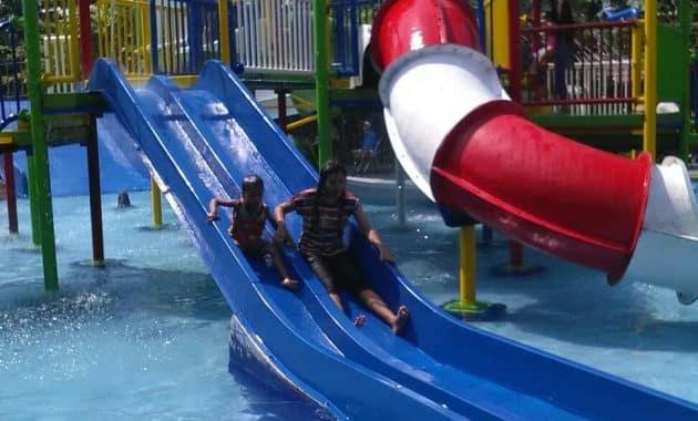 Taman Rekreasi Air Bersama Keluarga Galaxy Waterpark Jogja 5