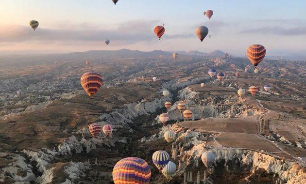 Menikmati Bentang Alam Kapadokia Turki Dari Atas Balon Udara 4