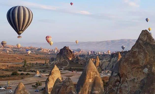 Menikmati Bentang Alam Kapadokia Turki Dari Atas Balon Udara 5