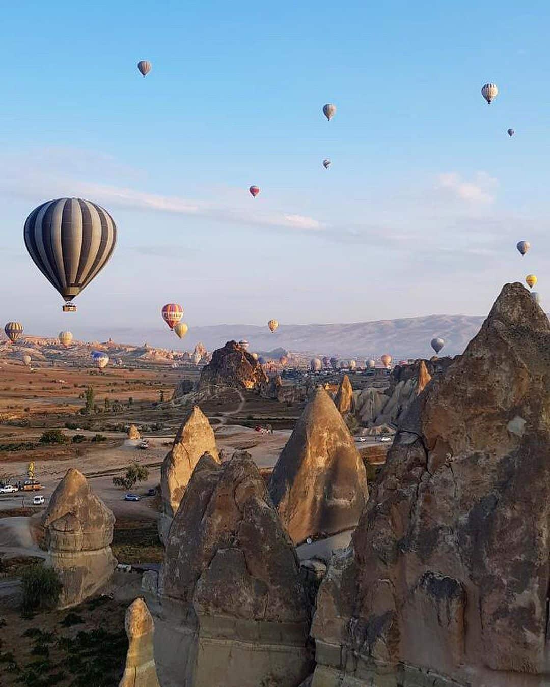 Menikmati Bentang Alam Kapadokia Turki Dari Atas Balon Udara 1