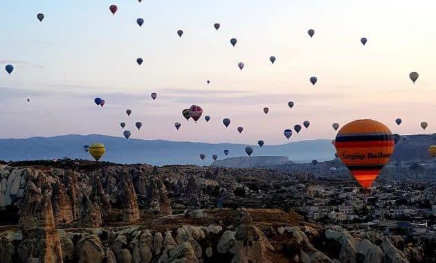 Menikmati Bentang Alam Kapadokia Turki Dari Atas Balon Udara 3