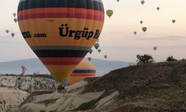 Menikmati Bentang Alam Kapadokia Turki Dari Atas Balon Udara 2