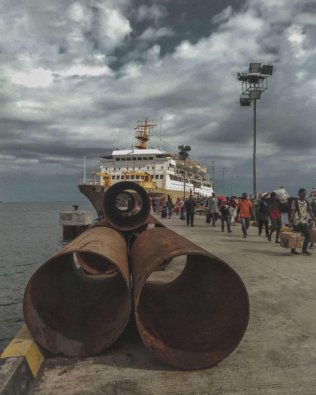 Berlibur ke Bali Ataupun Sumbawa Dengan Nyaman Pakai KM Awu 1